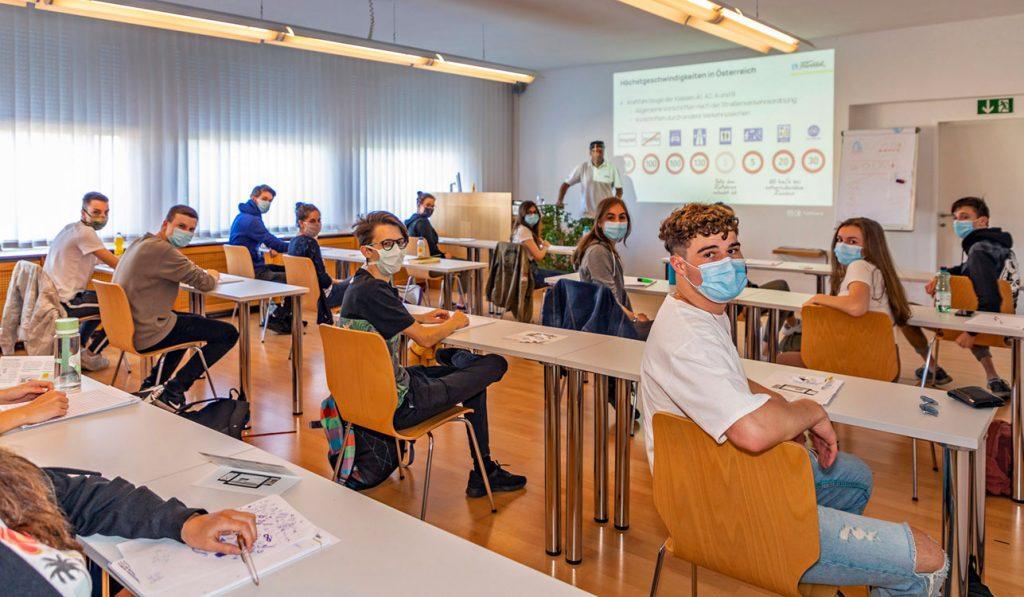 Austria reopen driving schools